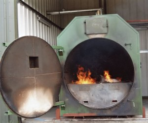 The heat used to dry the logs is run on slithers that are produced as a by–product of the round wood processing operation. Knotted wood and wood too big to process are also fed into the burner.