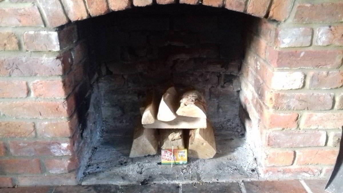 Our Kiln Dried logs are Easy to Light